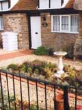 traditional_knot_garden_with_sundial_edged_with_york_handmade_brick